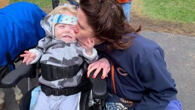 """Photo of """"Solo reía"""": niño con discapacidad fue sacado del cine"""