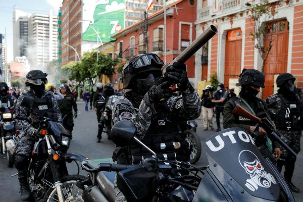 Reprimen y gasifican en Bolivia a simpatizantes de Evo Morales | Fotos y Video 2