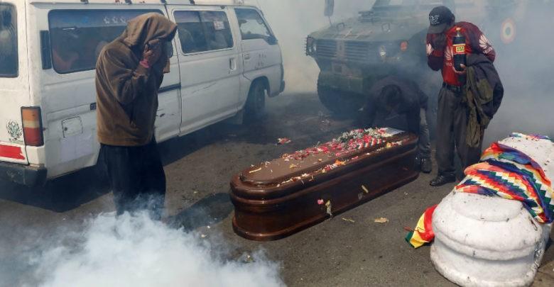 Reprimen y gasifican en Bolivia a simpatizantes de Evo Morales | Fotos y Video
