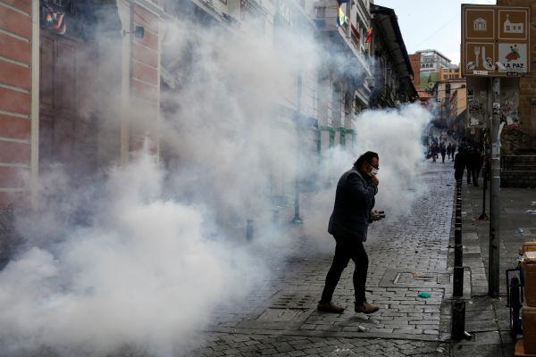 Reprimen y gasifican en Bolivia a simpatizantes de Evo Morales | Fotos y Video 1