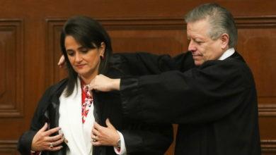 Photo of Asume Ríos-Farjat como ministra de la Corte; por primera vez hay tres mujeres en el Pleno