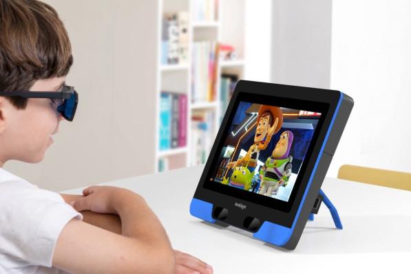 Los niños con ojo vago pueden ser tratados con solo dejarlos ver televisión en esta pantalla especial