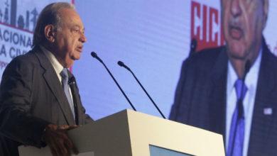 Photo of Reconoce AMLO a Carlos Slim por adelantar pago de impuestos