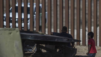 Photo of Mexicanos no pueden demandar a agente fronterizo que asesinó a su hijo, decreta tribunal de EU