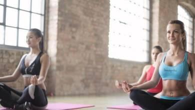 Photo of 5 razones por las que practicar yoga durante el confinamiento