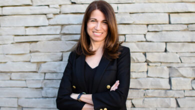 Photo of La ex directora de operaciones de Stitch Fix, Julie Bornstein, acaba de quitarle los detalles a su startup de comercio electrónico solo para aplicaciones, The Yes