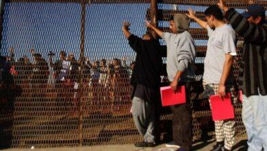 Photo of ¿Gesto para Trump? La Corte Suprema de los Estados Unidos da luz verde para las 'deportaciones exprés'