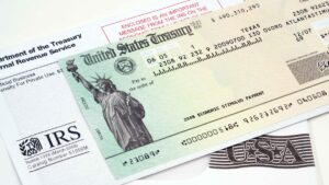 ¿Guardaste la carta de tu pago de estímulo? IRS advierte 1