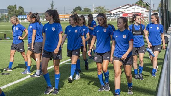 El Athletic femenino B ha empezado sus entrenamientos de pretemporada a las órdenes de Iraia Iturregi