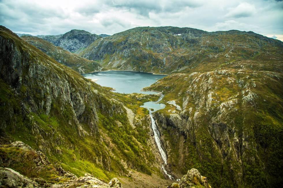 Cascada en el parque nacional Folgefonna, en Noruega.