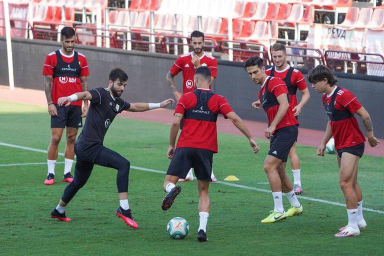 Varios jugadores del Almería, durante un entrenamiento. UD ALMERÍA