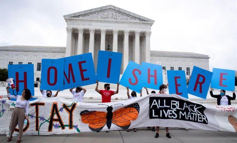 Juez ordena al Gobierno que procese de inmediato nuevas solicitudes de DACA 1