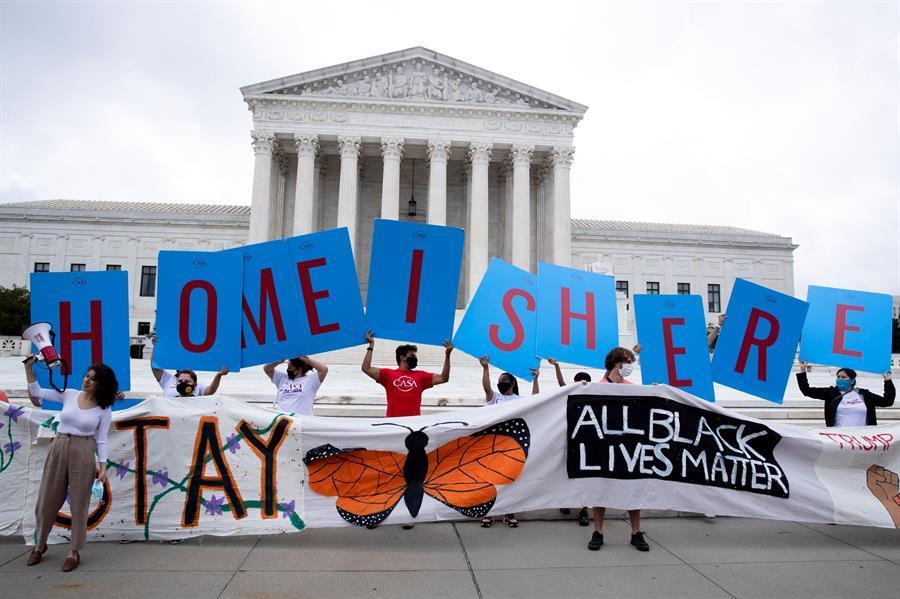 Juez ordena al Gobierno que procese de inmediato nuevas solicitudes de DACA 2