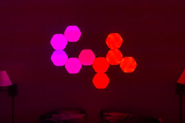 Photo of Las nuevas formas hexagonales de Nanoleaf son una adición sorprendentemente viva y orgánica a la decoración de su hogar