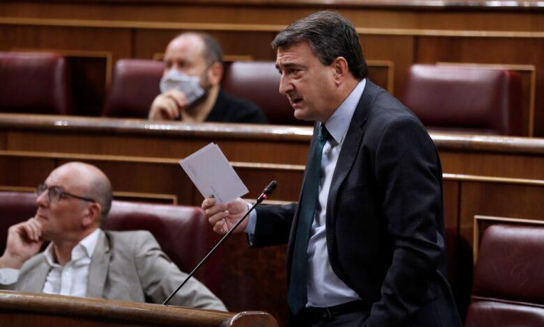 Sánchez solicita por carta a Urkullu y Torra que acudan a la conferencia de presidentes 1