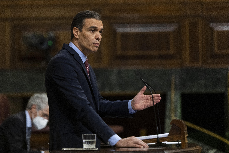 Sánchez solicita por carta a Urkullu y Torra que acudan a la conferencia de presidentes 2