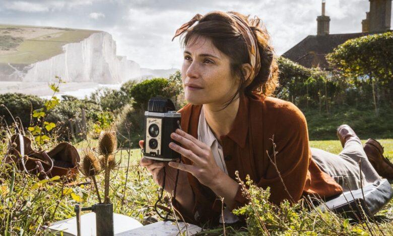 Summerland (2020) Reseña de película | Screen Rant
