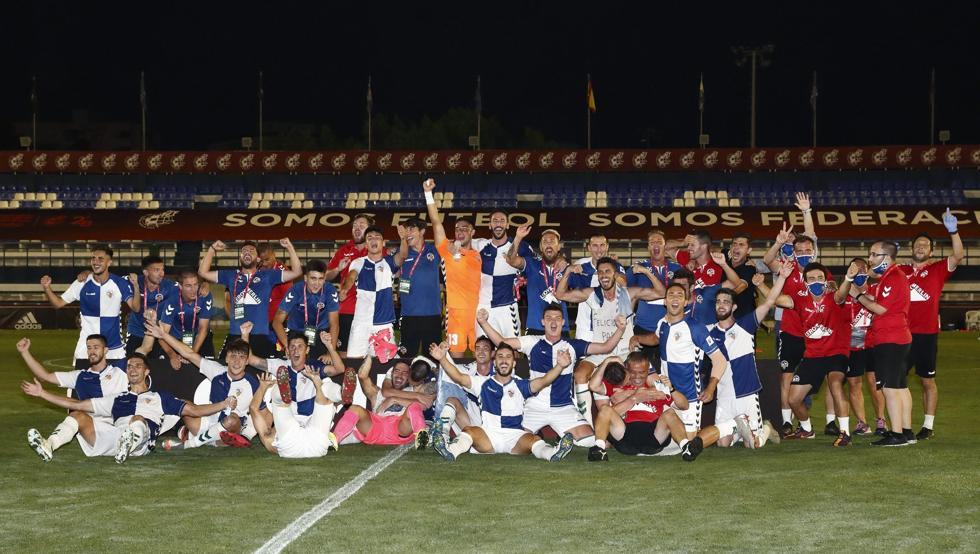 Photo of Edgar renueva con el Sabadell y Aleix Roig se despide