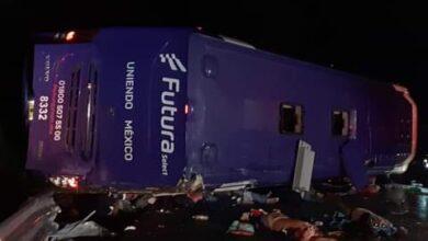 Photo of Sube a 13 el número de muertos por volcadura de camión de pasajeros