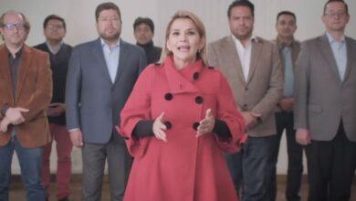 Photo of Jeanine Áñez renuncia a la candidatura presidencial de Bolivia | Video