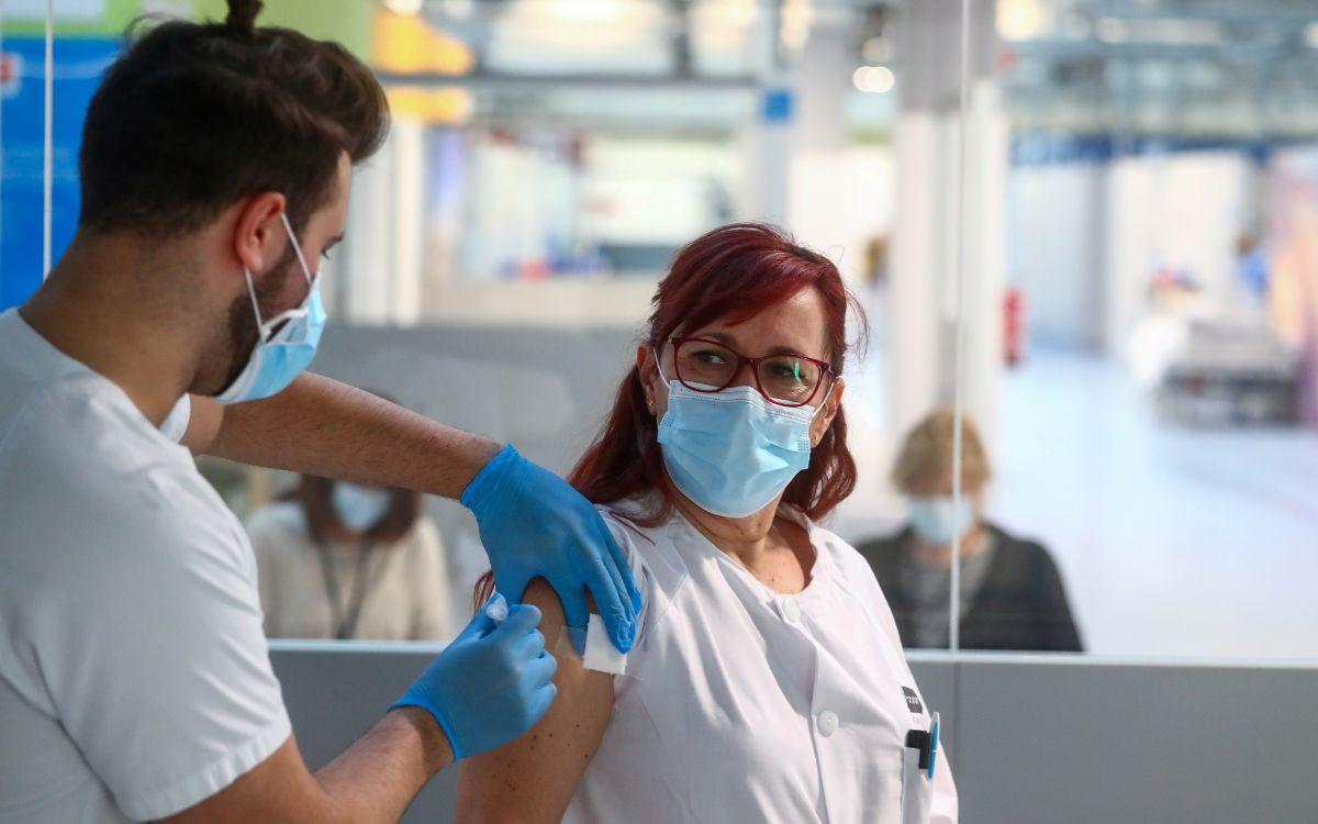 España rompe récord diario de contagios de coronavirus; suma 38 mil 869 en un día 2