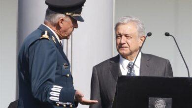 Anabel Hernández cuestiona por qué gobierno de AMLO pagó la defensa de Cienfuegos 7