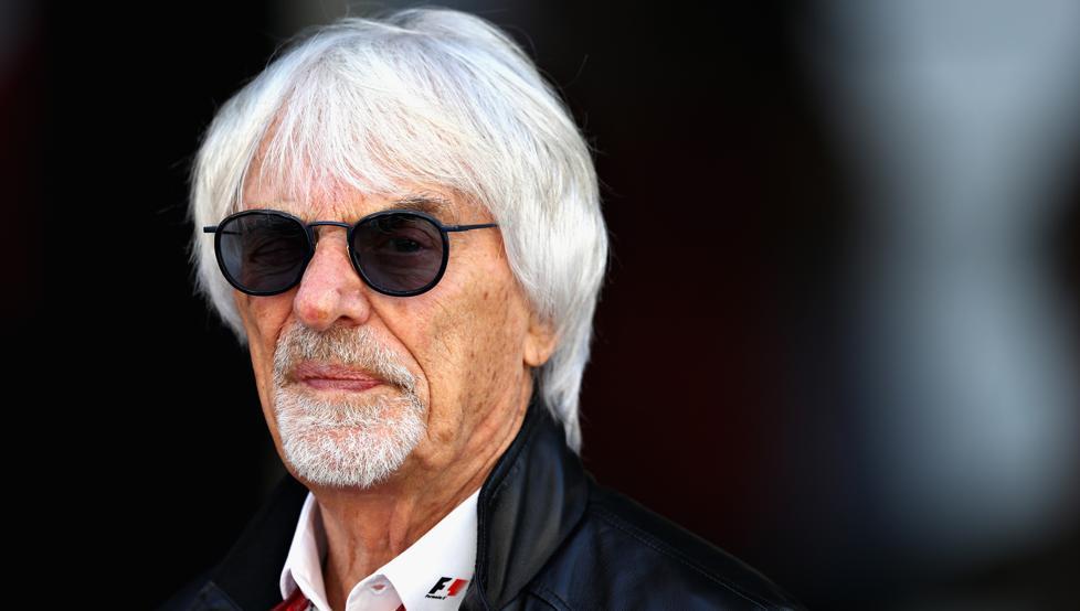 Ecclestone dice que la 'no' renovación de Hamilton con Mercedes es puro teatro 10