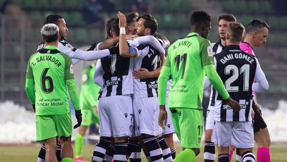 El Levante supera el susto en la tanda de penaltis 19