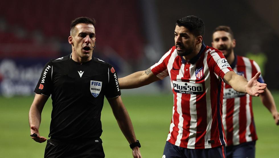 Estrada Fernández ha pitado cuatro partidos en siete días 1