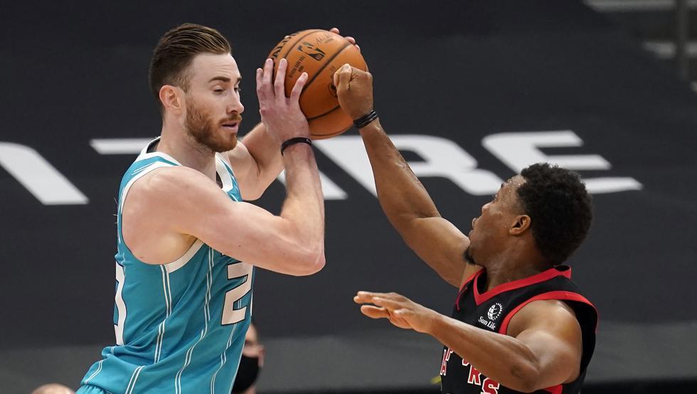 Toronto derrota a Charlotte y encadena dos victorias seguidas por primera vez 42