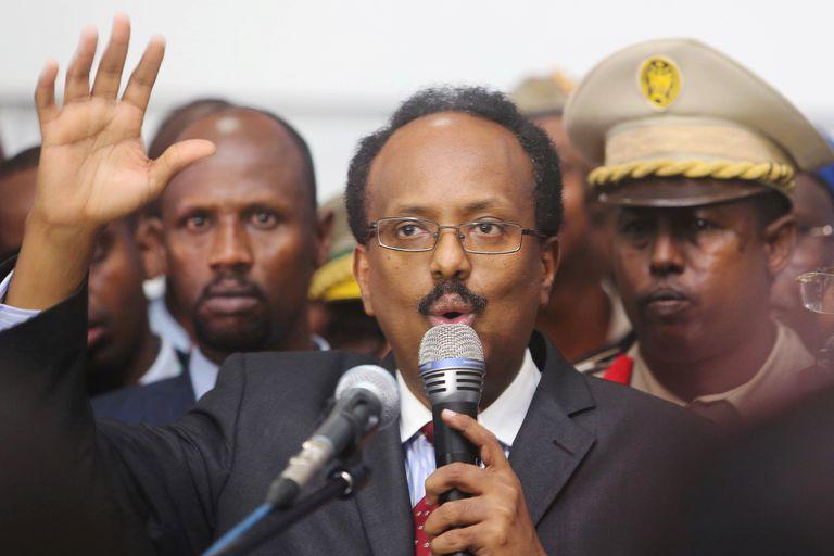Mohamed Abdullahi Mohamed, alias Farmajo, durante su juramentación como presidente de Somalia el 8 de febrero de 2017 en Mogadiscio.